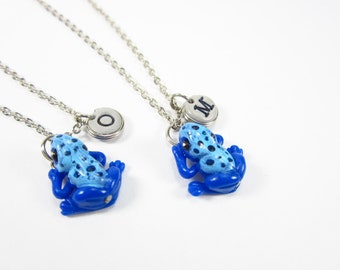 Poison Dart Frog Initial Necklace, Personalized necklace, BFF unique gift, frog necklace friendship necklace, best friend necklace blue