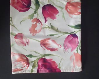 Pillow cover - tulips motive