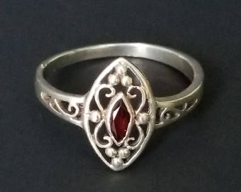Sterling Silver Ring with Garnet / Sterling Silver Ring / 925 Sterling Silver