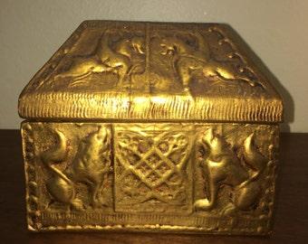 Trinket stach box jewelry gold gilt Hollywood regency Italy