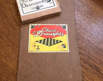 Vintage St. George Series Fine Quality Draughts Checkers Made in England Bakelite?