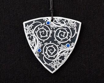 Triskelion pendant - floral