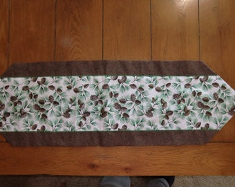 Table Runner - Fall - Lots of Pine Cones
