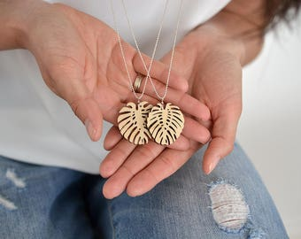 Playwood laser cut necklace with Monstera leaf