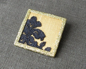 Glitter frame brooch, black lace brooch, square brooch, black and gold pin, unisex jewelry, lapel pin, silk and lace pin