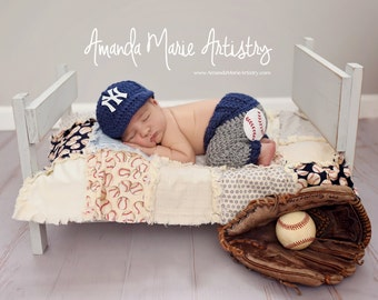 Newborn NY Yankees costume Baby Boy baseball set, cap and pants, Baby Baseball outfit, crochet baby shower gift