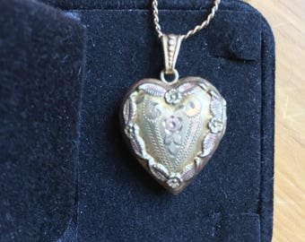 Lovely Heart Locket & Chain Gold on Silver Vintage