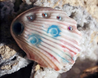 Handmade Seashell Shank Button - Mother of Pearl Finish