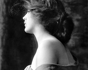 Beautiful Woman 1900's Photo