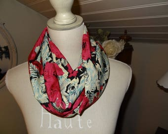 Snood with pink polyester crepe