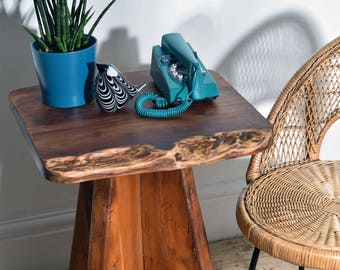 Stunning Vintage Handmade Solid Tree Slab Coffee/Bed/Hallway/Occasional table.