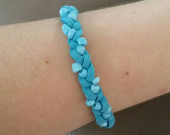 Braided bracelet with suede and beads-light blue