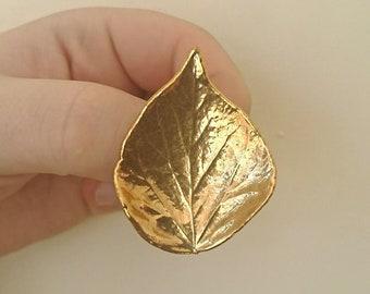 Vintage Leaf Brooch Gold Tone Metal Pin Costume Jewellery Jewelry Heart Shaped Leaf Brooch