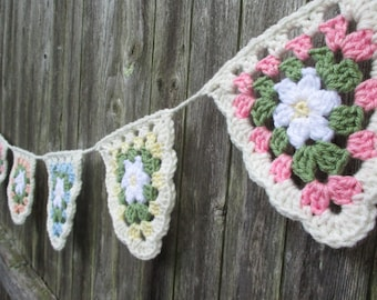 Crochet Flower Banner, Flower Bunting, Spring Banner, Granny Square Banner, Crochet Flower Flags by CROriginals