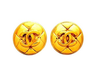 Authentic vintage Chanel earrings Quilted Round CC logo #ea2093