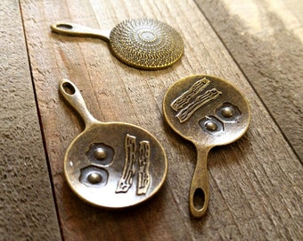 Frying Pan Charms Cooking Charms Breakfast Charms Antiqued Bronze Frying Pan Charms Frying Pan Pendants