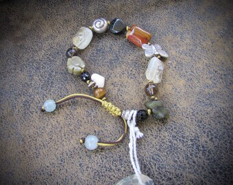 Gemstone bracelet, Charm bracelet, beaded bracelet, gemstone jewelry, jade jewelry, hand made jewelry