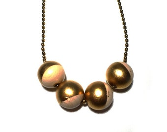 Wood beads necklace