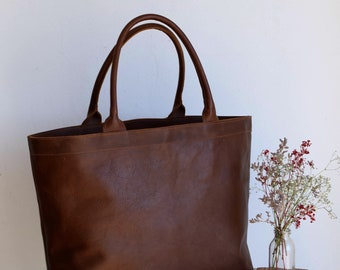Oversized Tan / Cognac Leather tote bag with inside lining. Cap Sa Sal Bag. Handmade.