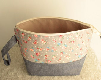 medium project bag for knitters