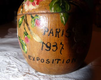 French painted treen souvenir box - Paris Expostion 1939 - decoration cherry blossom