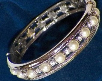 Jackie Kennedy Wedding Bracelet, Pearl Bangle, Pearl Bracelet, Box and Certificate