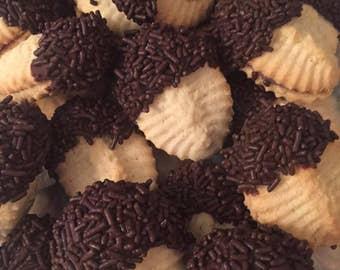 Hazelnut Stuffed Sandwich Cookies