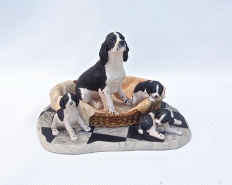 Springer Spaniel and Puppies Figurine - Made by Border Fine Arts, Scotland -Sculpted by Ray Ayres in 1989 - Hand Painted Resin - Working Dog