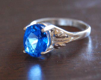 Kashmir blue Topaz oval gemstone Sterling Silver ring, solitaire gemstone ring, woman's ring size 8