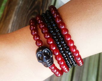 Black Skull Memory Wire Glass Bead Bracelet