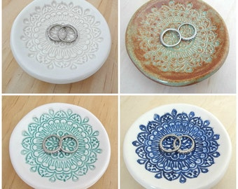 Porcelain ring holder, jewellery holder, ring dish. Ceramic bowl. Ring pillow. Engagement or wedding gift. White, mint, navy, pistachio.