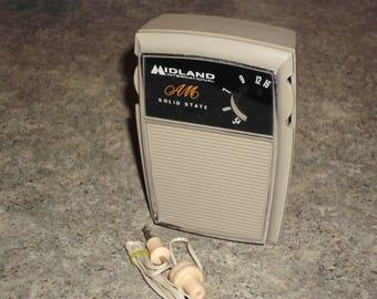 Vintage 60s Midland 10-020 Portable AM Transistor Radio - Parts / Repair