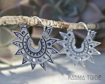 Silver plated tribal earrings. Tribal hoops earrings. Ethnic jewelry. Gypsy earrings. Bohemian jewelry. Silver plated indian earrings.