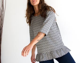 Casual loose top, Womens ruffle tops, Modern blouse, Casual friday shirt, Casual party top, Black and white tunic top