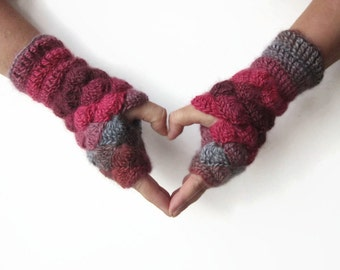 Crochet Shell Fingerless Mittens. Multicolored Red Grey Wrist Warmers. Handknitted Fingerless Gloves. Handmade Women Winter Accessories.
