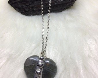 Hearth Soldered Necklace/ Gothic Necklace/ Indie Necklace/ Crystal Healing/ Bohemian / Reiki Necklace/ Chakra Balancing