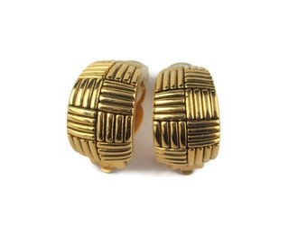 Vintage Nina Ricci  Goldtone Cross Hatched Square Patterned Clip Earrings