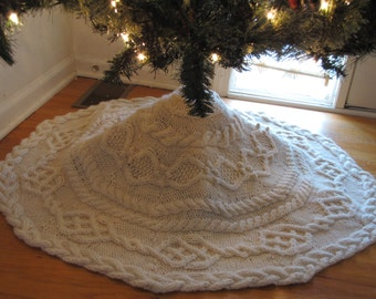 Hand Knit Cable Tree Skirt