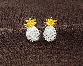 1 pair of 925 Sterling Silver Two Tone Gold & Silver Pineapple Stud  Earrings 6x11.5 mm., Brushed finish :er1149