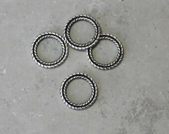1 ea  braided wreath link #119