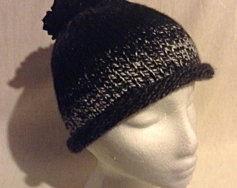Knitted Beanie pompom hat