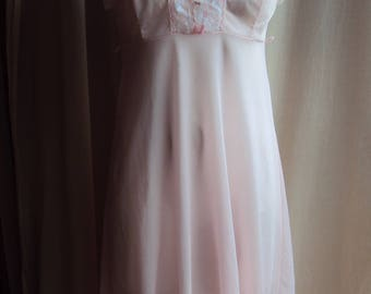 Vintage pink nylon lace nightgown negligee size 14 by Balmoral Original Australia