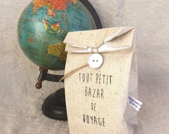 """Linen pouch for """"Petit Bazar"""" (small mess), vintage style print, lined with white coton."""