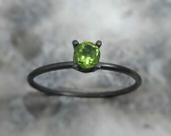 peridot silver ring / oxidized silver ring / silver peridot ring - womens rings