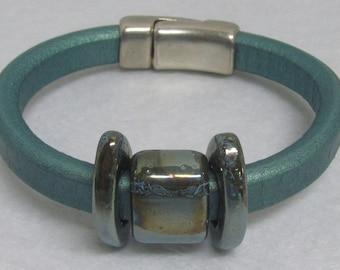 "Regaliz Bracelet ~ Teal ~ Size 8 1/2"""