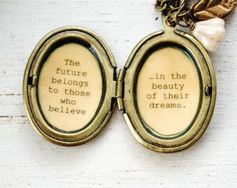 Eleanor Roosevelt Quote - Women's Locket - Graduation Gift - The future belongs to those who believe in the beauty of their dreams