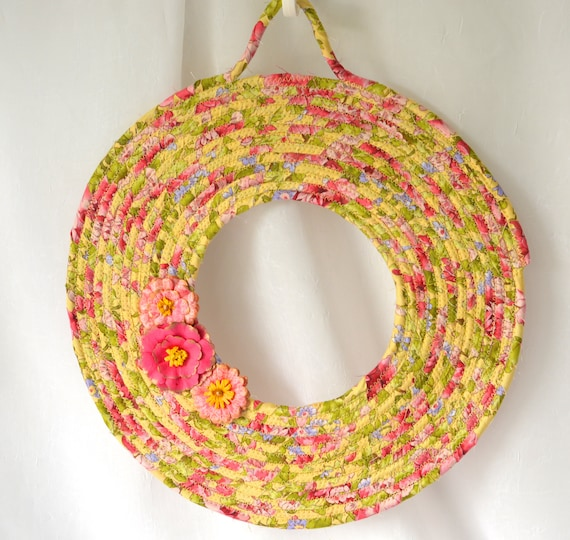 Summer Floral Wreath, English Garden Door Hanger, Lovely Wall Art, Artisan Quilted Wreath, Handmade Floral Home Decor, Moder