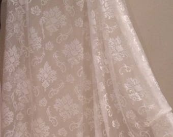 Sheer with height about 280 baroque design