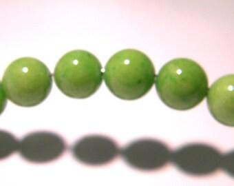 10 jade beads 10 mm Apple green - gem stone - PG299-3