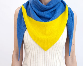 triangle scarf, blue, yellow, color block, knit scarf, knit triangle scarf, scarf, triangle shawl, color block scarf, knitwear, THE KNIT KID
